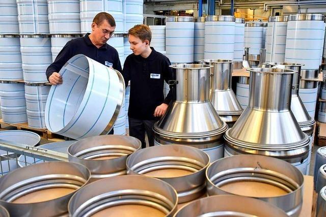 Firma in Rheinfelden fertig Edelstahlbehälter und Handling-Systeme