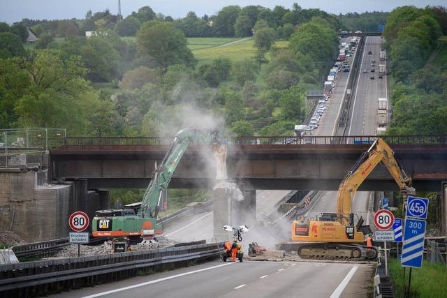 Vollsperrung der A8 sorgt für Staus – Ausweichstrecken ausgelastet