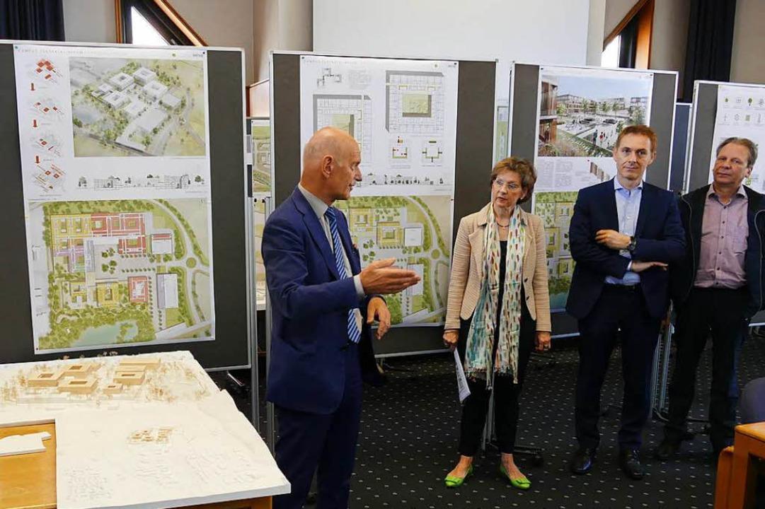 Juryvorsitzender Albert Wimmer (links) mit Marion Dammann und Jörg Lutz  | Foto: Willi Adam