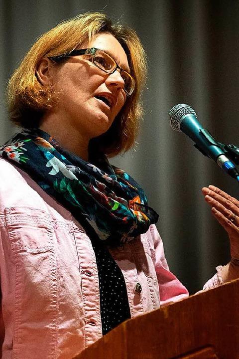 Bürgermeisterkandidatin in Lenzkirch:Caroline Waldvogel     Foto: Wolfgang Scheu