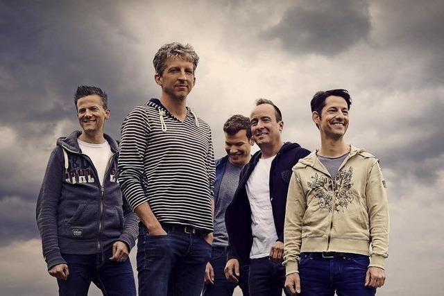 Das Männerensemble Basta bringt Sprachwitz zu eingängigen Melodien in die Reithalle