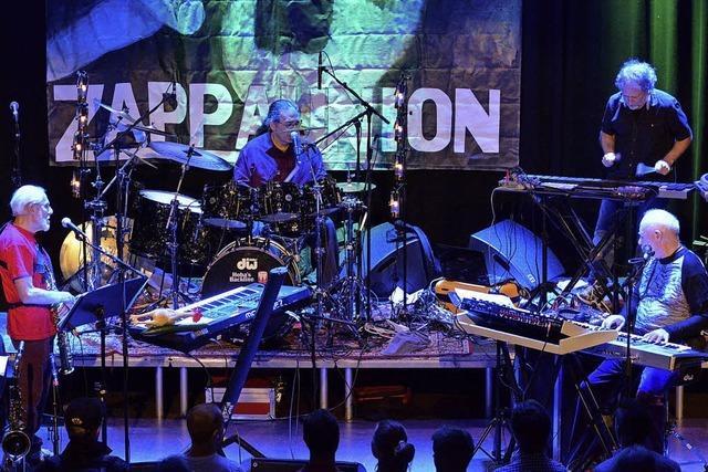 The Grandmothers of Invention spielen Frank Zappas Werke
