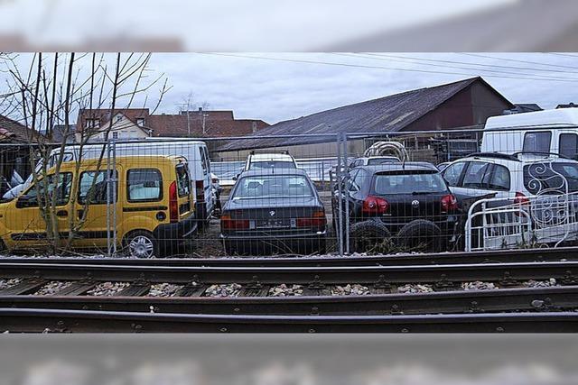 Behörden machen Auflagen zu Eichstetter Altautolager