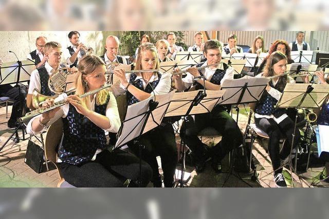 Mit Polka und Marsch in den Frühling