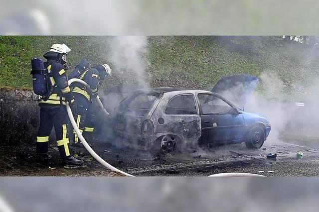 Auto brennt, aber keine Brandstiftung