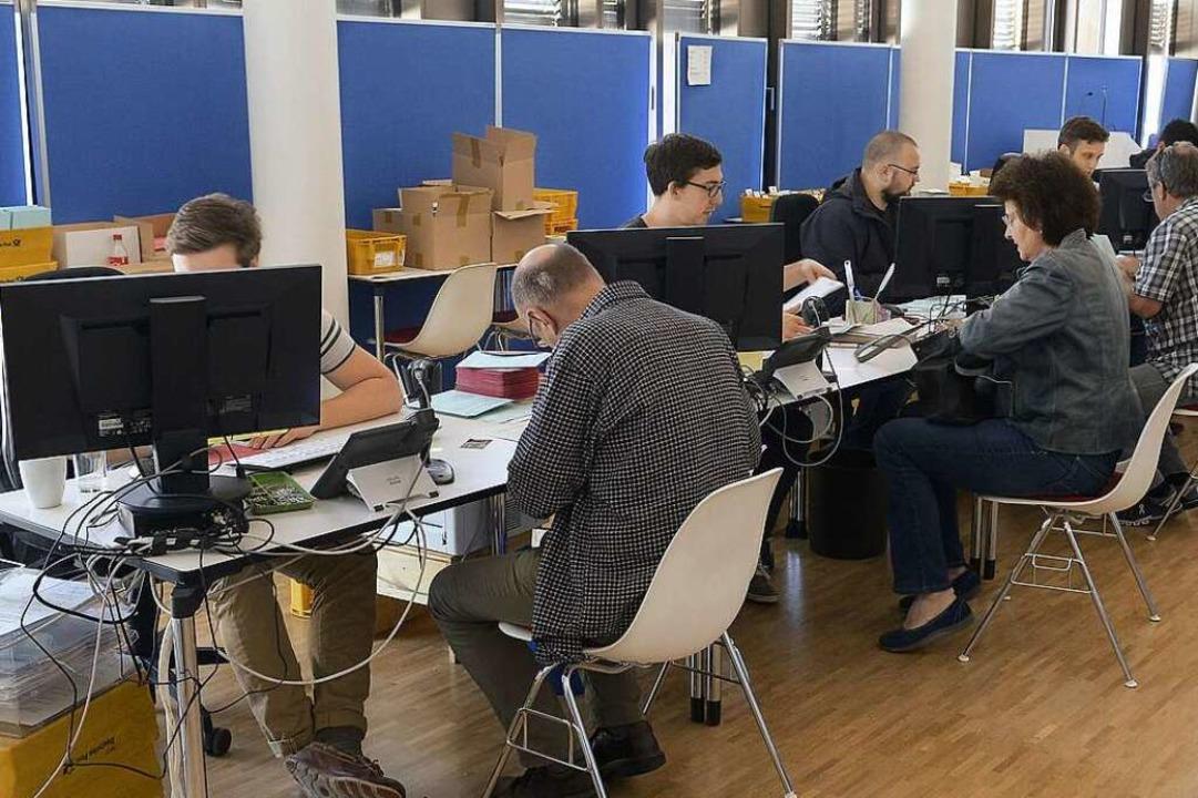 Im Rathaus können Bürger bereits jetzt...n für den zweiten Wahlgang abstimmen.   | Foto: Ingo Schneider