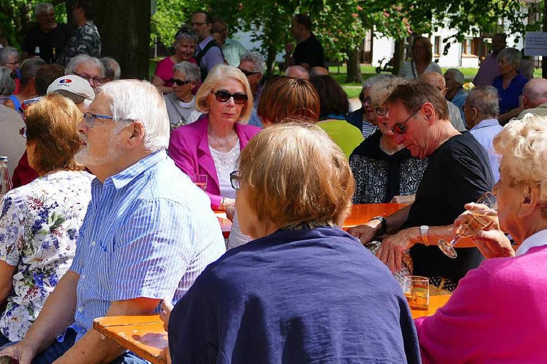 Rund 150 Besucher kamen zur Eröffnung des Emilianums.  | Foto: Jochen Fillisch