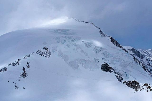Vier Skiwanderer in den Schweizer Alpen erfroren