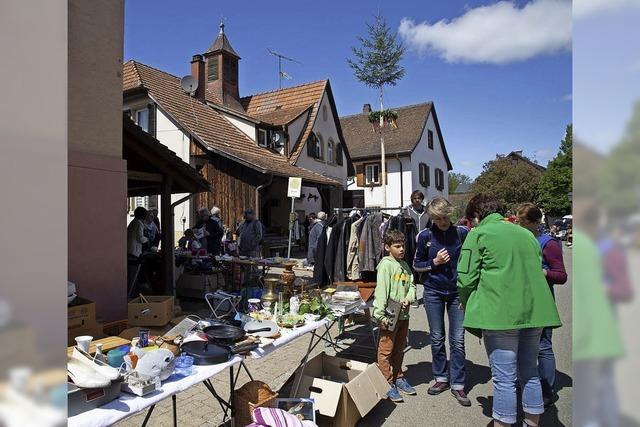 Dorfflohmarkt am Dorfplatz
