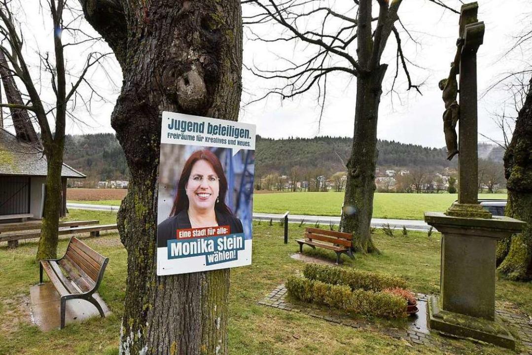 Ein Wahlplakat der OB-Kandidatin bei d...pelle im Stadtteil Ebnet. (Archivbild)    Foto: Thomas Kunz