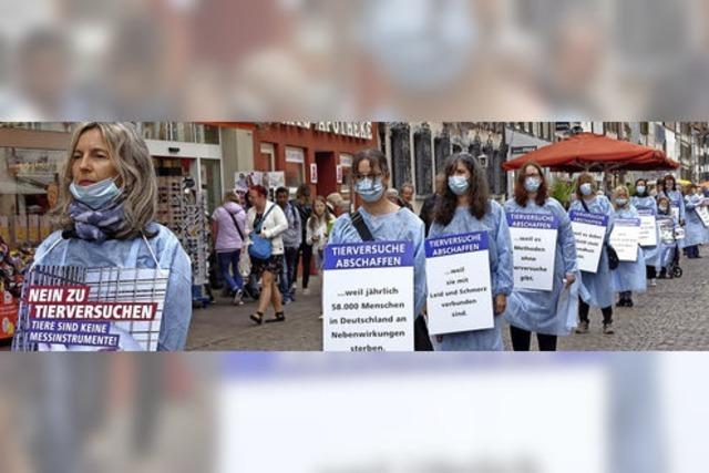 Schweigender Protest gegen Tierversuche