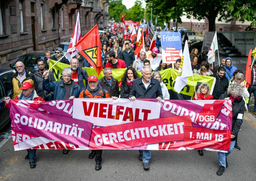 Der Demonstrationszug in Freiburg  | Foto: dpa