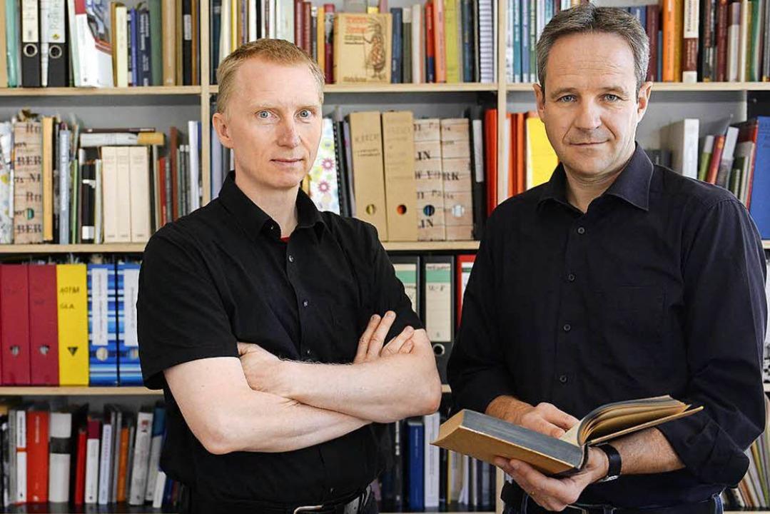 Heiko Wegmann (links) und Bernd-Stefan...ie zu Freiburgs Kolonialismus-Bezügen.  | Foto: Ingo Schneider