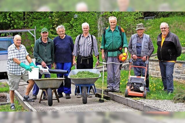 Altersmannschaft der Feuerwehr legt sich ins Zeug