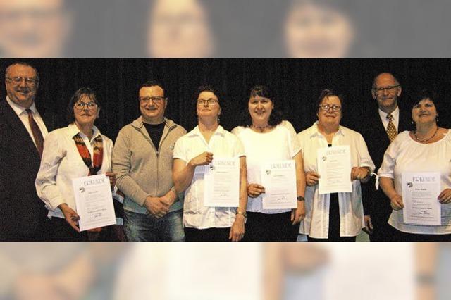Akkordeonorchester ehrt verdienstvolle Musiker