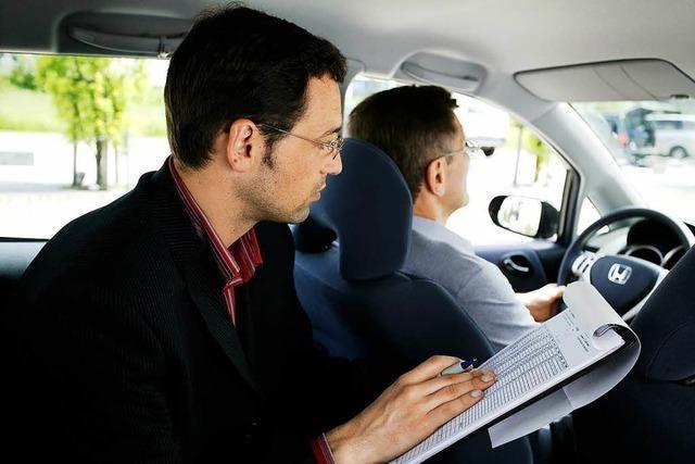 Führerscheinprüfung zu schwer - mehr Fahranfänger scheitern