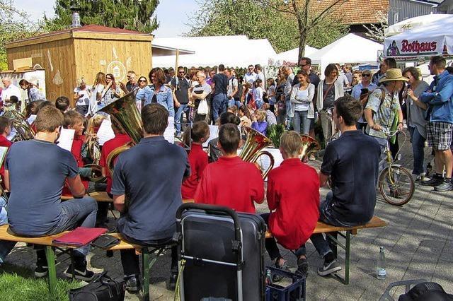 Voller Dorfflohmarkt