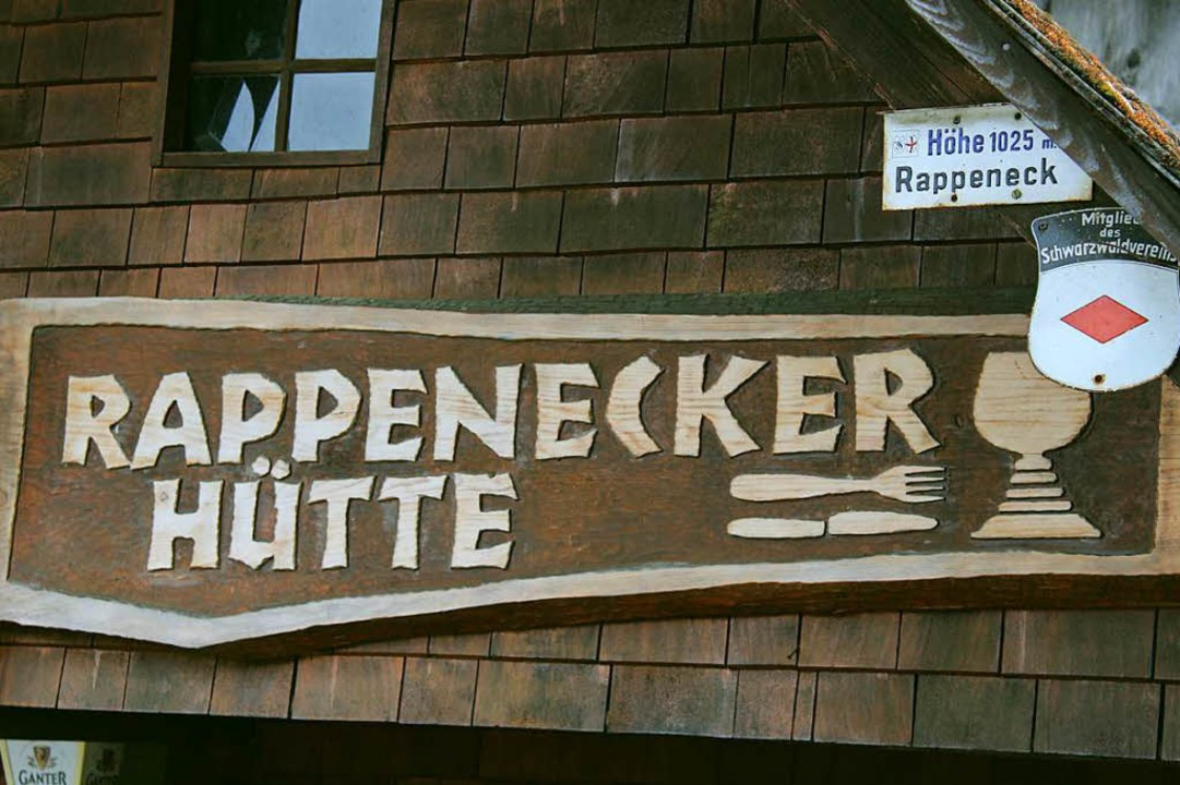 Schon das Schild weist darauf hin, dass es hier zu essen und zu trinken gibt.  | Foto: Erich Krieger
