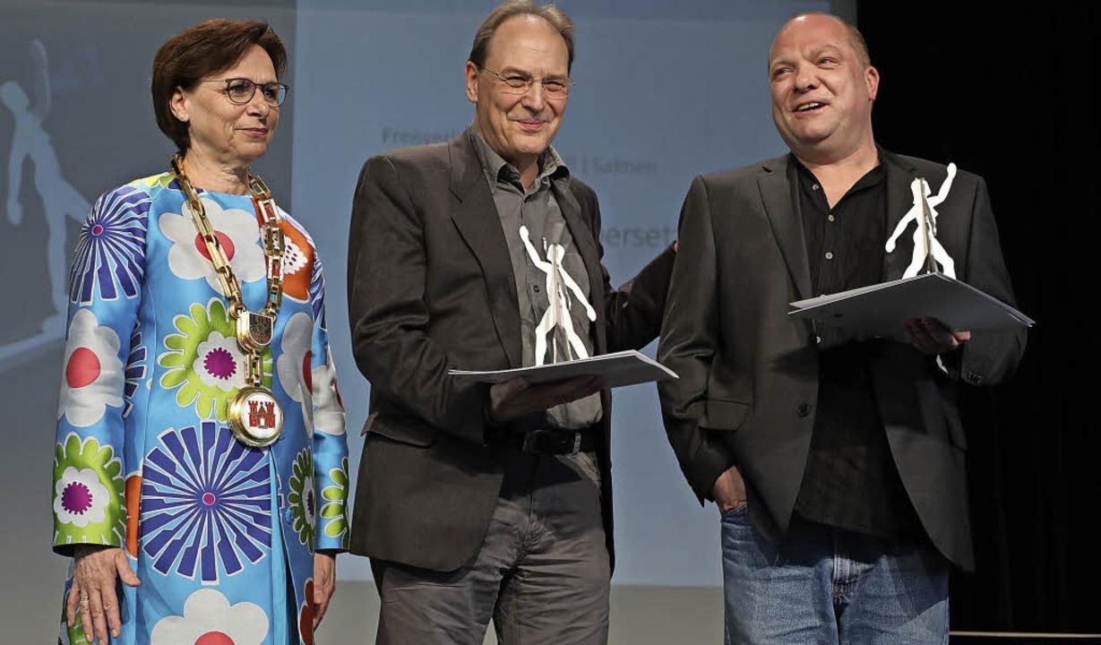Oberbürgermeisterin Edith Schreiner br... Thomas Mohr (von links nach rechts).     Foto: Bertold Baumeister