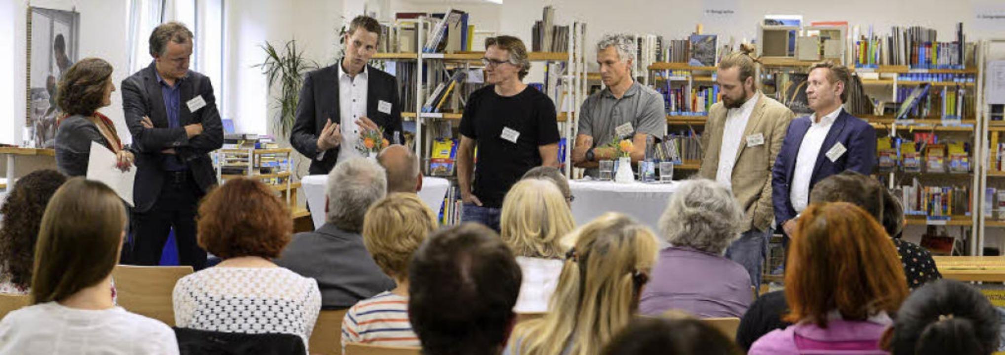 Die Väter im Blick (von links):  Pia M...-Jörg Gisinger (Gisinger Wohnungsbau)   | Foto: Ingo Schneider