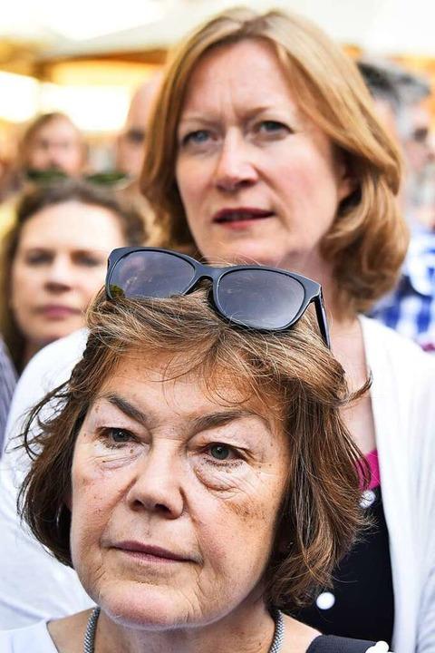 Betretene Mienen bei den Grünen:  Maria Viethen (vorne)  und Kerstin Andreae  | Foto: Michael Bamberger