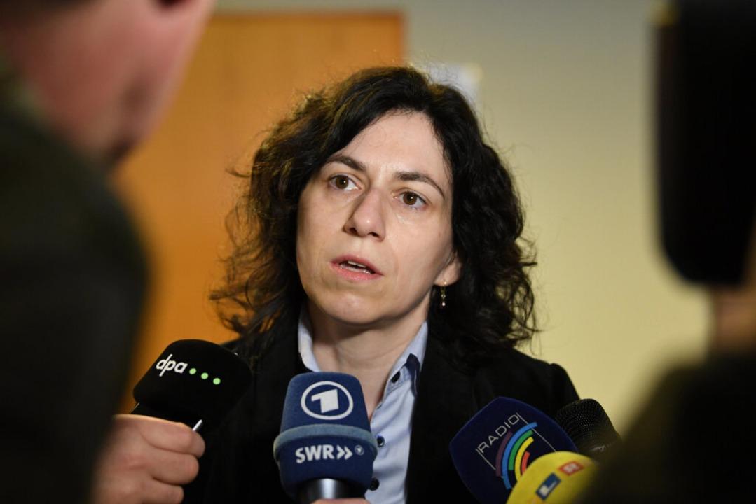 Katja Ravat vertritt im Prozess gegen ...rozess gegen einen der Täter im April.  | Foto: dpa