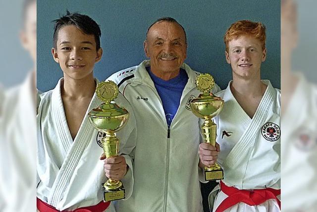 Zwei erste Plätze für Breisacher Karatekämpfer