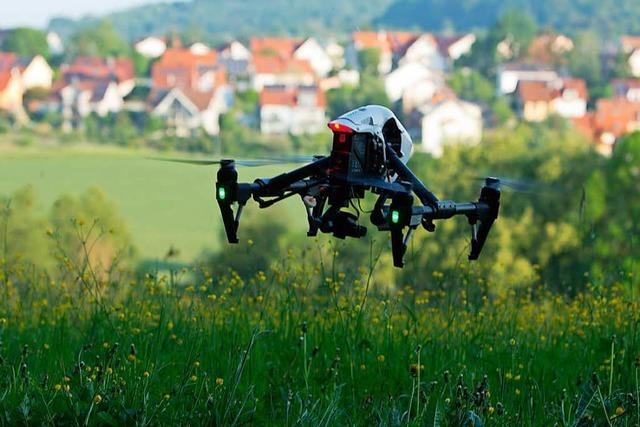 Tierschützer und Jäger wollen Rehkitze mit Drohnen retten