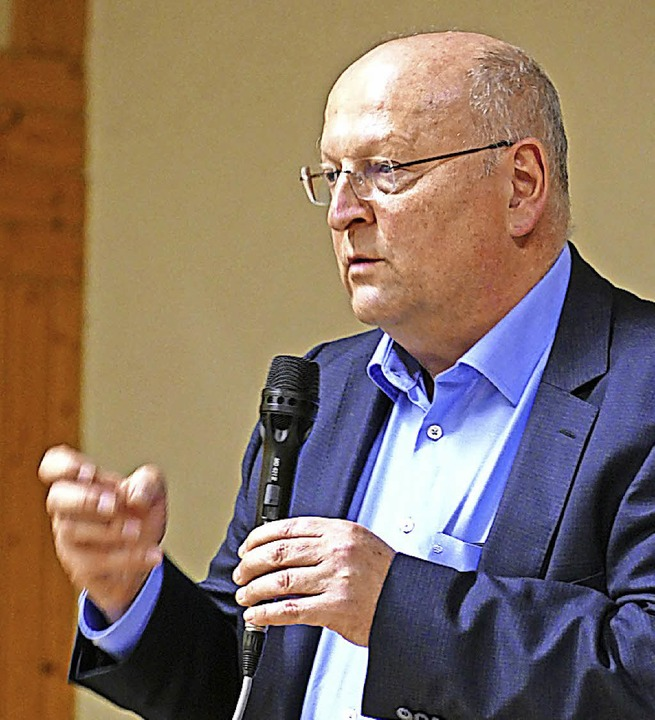 Thomas Drechsel bei der Info-Veranstaltung am 22. Januar in der Gemeindehalle   | Foto: sattelberger