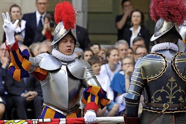 Dem Papst gehen die Soldaten aus