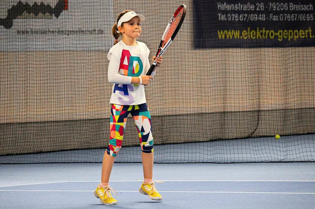 Die achtjährige Aurora Disco spielt Tennis seit ihrem vierten Lebensjahr.  | Foto: Joshua Kocher