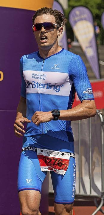 Platz zwei auf der Zielgeraden im Euro...k) beendete den Triathlon mit Silber.   | Foto: vfma