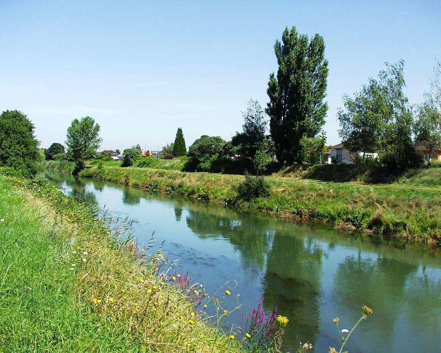 Elsass vor der Tür: Der Canal du Huningue  | Foto: Annette Mahro