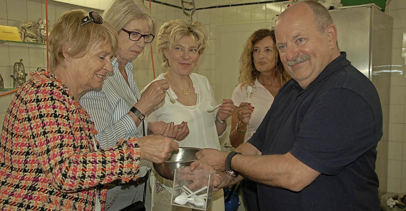 Frauen im Gewerbeverein in der Schokoladenfabrik   | Foto: Petra Wunderle