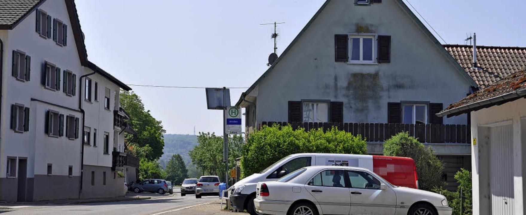 Ein neues modernes Buswartehäuschen soll am Hirschen gebaut werden.  | Foto: Jutta Schütz