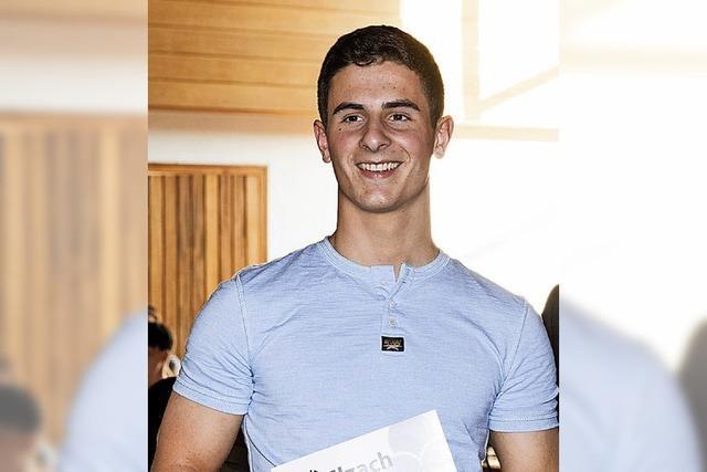 Christoph Becherer erhält Preis für gute Ausbildung