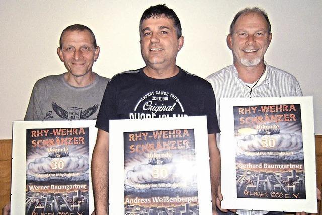 Rhy-Wehra-Schränzer ehren Gründungsmitglieder