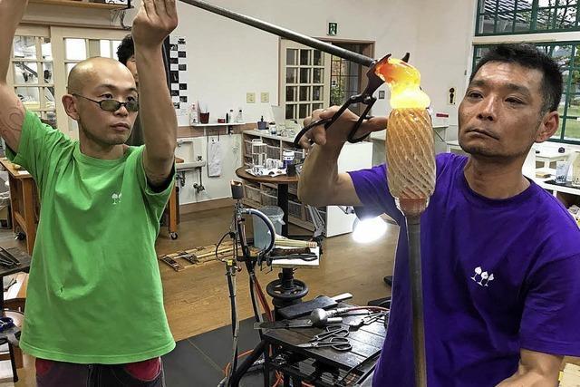 Glasmacher aus Japan sind zu Gast im Höllental