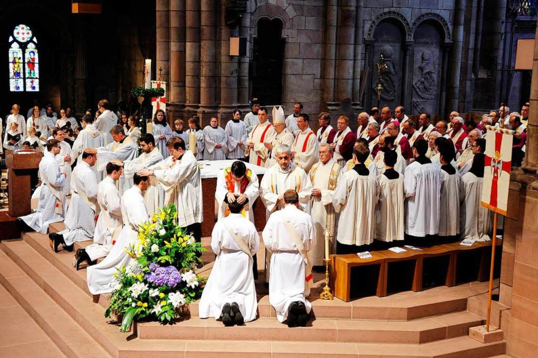 Priesterweihe im Freiburger Münster  | Foto: Thomas Kunz