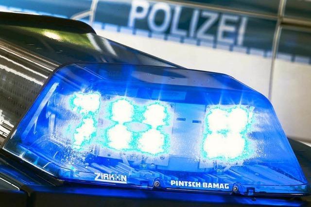 Beifahrer stirbt bei Autounfall in der Nähe von Teningen