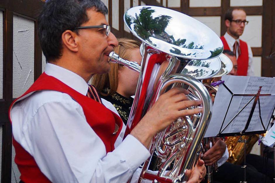 Im Freien fand das Serenadenkonzert  der Stadtmusik Schönau statt (Foto: Verena Wehrle)