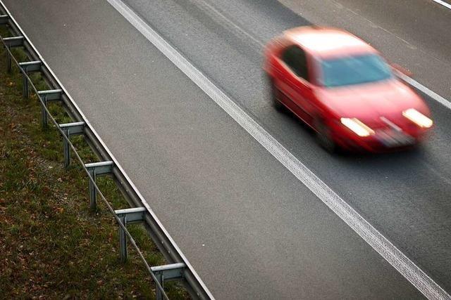 Vollsperrung der A5 nach Unfall bei Ausfahrt Freiburg-Mitte