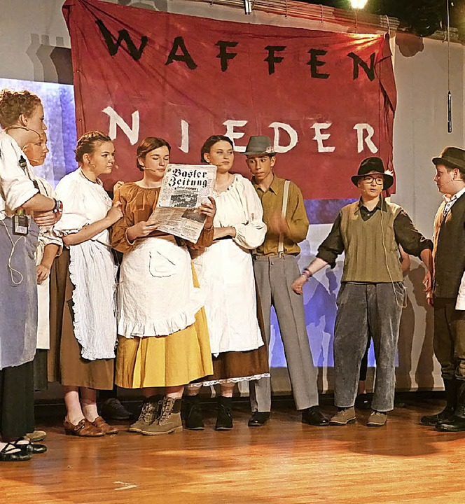 Ob Schauspiel, Musik oder Tanz –...71 Akteure beeindruckten das Publikum.  | Foto: Christa Hülter-Hassler