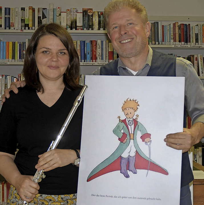 Leilah Roos und Wernfried Hübschmann verzauberten ihre Zuhörer in der Bücherei.   | Foto: R. Ounas-kräuse