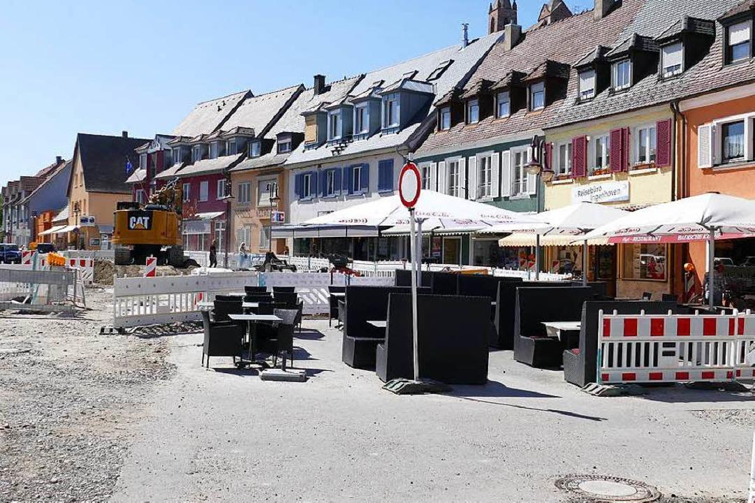 Im Café Bechtel, das derzeit von der B...sucher hingegen  lieber die  Terrasse.  | Foto: Saskia Rohleder