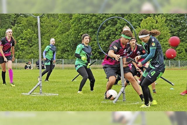 Mischung aus Handball, Rugby und Völkerball