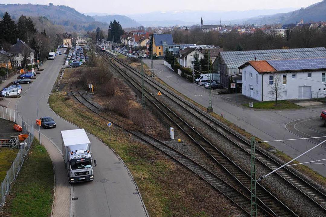 Die Bahnhofstraße  in Steinen wird von vielen Lkw frequentiert.  | Foto: Robert Bergmann