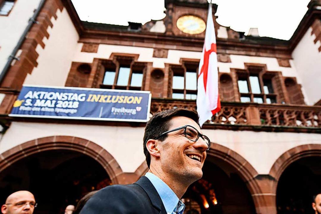 Martin Horn,  hier am Wahlabend auf de...rd neuer Freiburger Oberbürgermeister.  | Foto: dpa