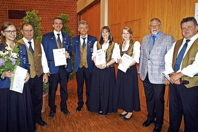 Große goldene Ehrennadel für Siegfried Bierwirth