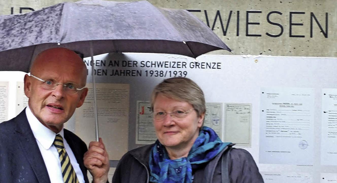 Gedenkstättenleiter Johannes Czwalina ...er von der Deutschen Botschaft in Bern  | Foto: David-Wenk